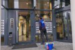 Glazenwasser Schoonmaakbedrijf Hofs Arnhem - Glasbewassing traditioneel Vastgoed VVE