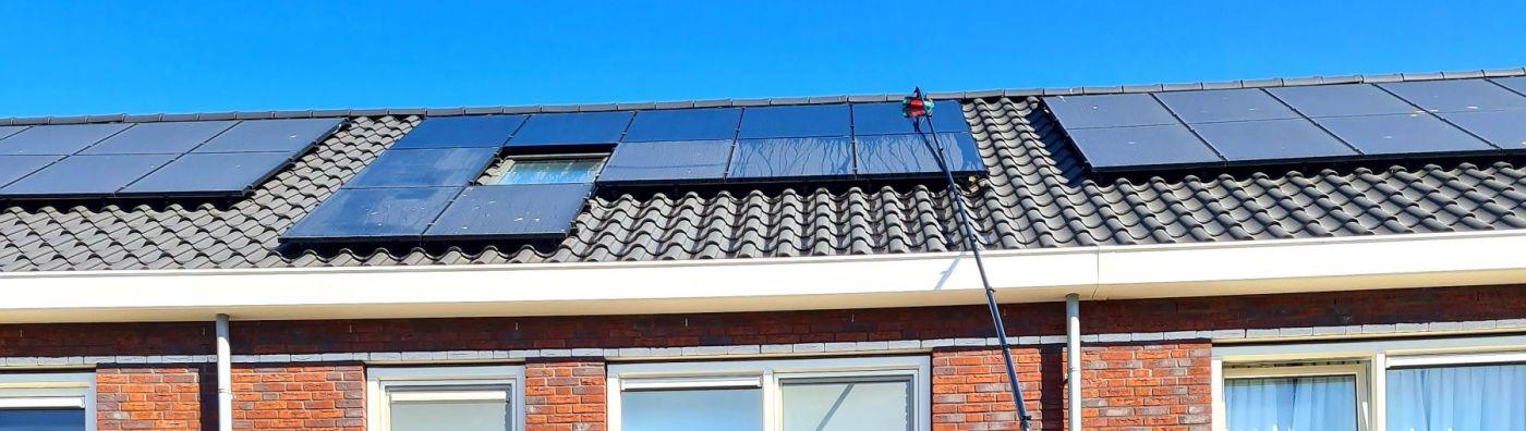 Schoonmaakbedrijf Hofs Arnhem | Schoonmaak zonnepalen met Tuckerpole